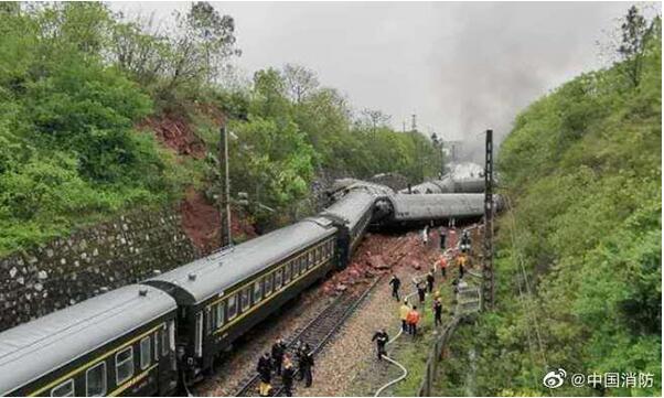 T179次列车湖南境内脱轨 尚未发现人员遇难