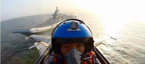"""中国培训舰载机飞行员新突破:""""脱俄如美""""更加先进化"""