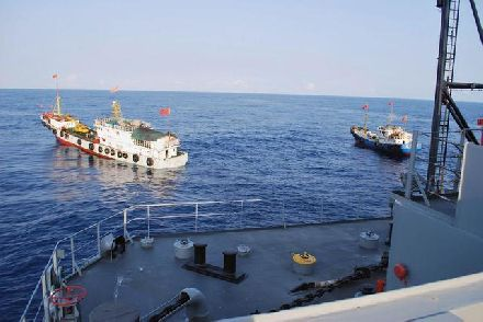 日舰与中国渔船冲突,外交部公布伤亡情况,东京沉默