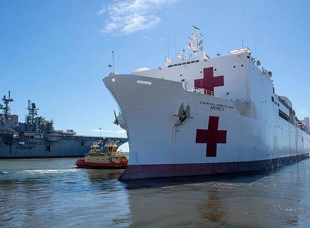 """""""就是个笑话"""",纽约千张床位医院船仅收20个病人"""