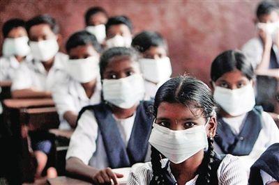 因疫情印度创造167年来首次停运火车,车厢改成隔离病房