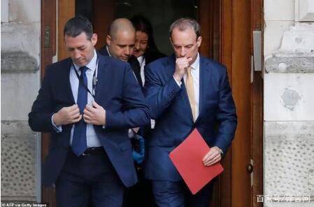 英首相仍在ICU但未使用呼吸机 代首相外交大臣也出现咳嗽症状