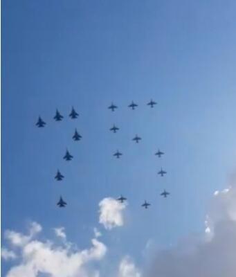 饱饱眼福吧!莫斯科红场举行五九胜利日空中阅兵!