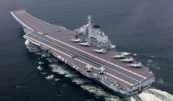 在南海跟美军准航母碰上,回国途中辽宁舰又遇上日本万吨大驱
