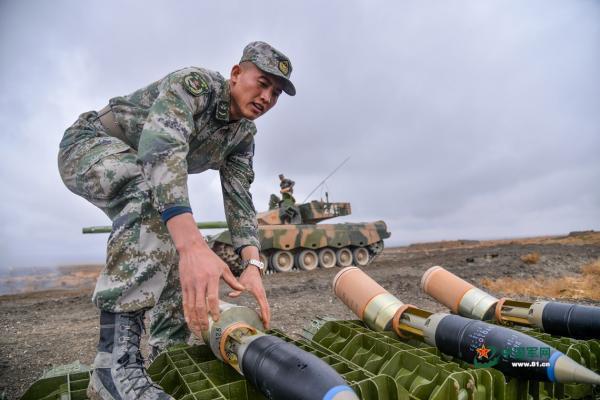 一弹多用,96A坦克喜获新型炮弹,战斗能力获大幅提升