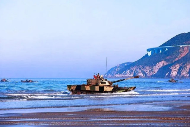 美媒:中国计划将海军陆战队兵力增加到10万 增长400%