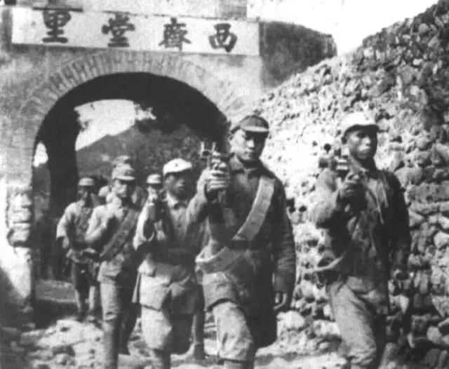 1937年 刚改编的八路军一个团 大约有多少武器和兵力?