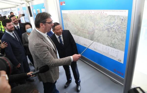 塞尔维亚总统视察匈塞铁路建设工地:塞中双方正探讨新项目