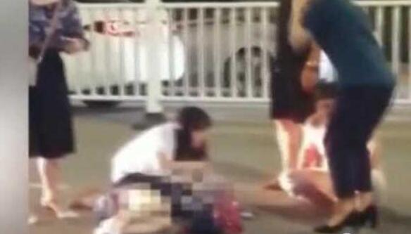 飞来横祸!高三女生斑马线上被车撞飞,仍在ICU抢救