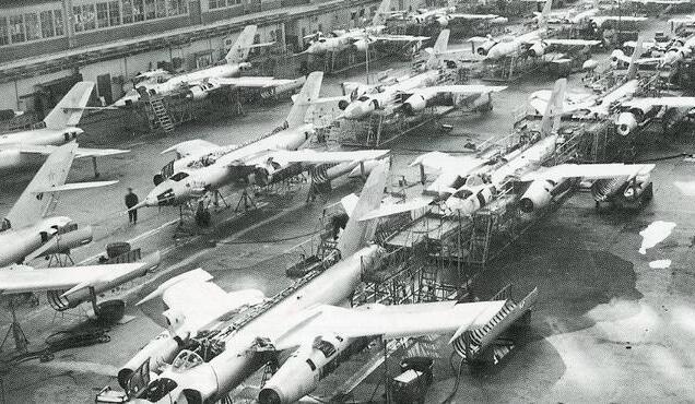 苏27上一款已经落后的设备,为何还要装在歼10上面?