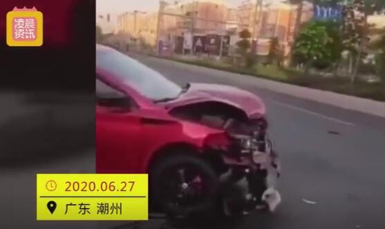 女司机衣着暴露开新车撞死人还微笑,没有一丝恐惧感!
