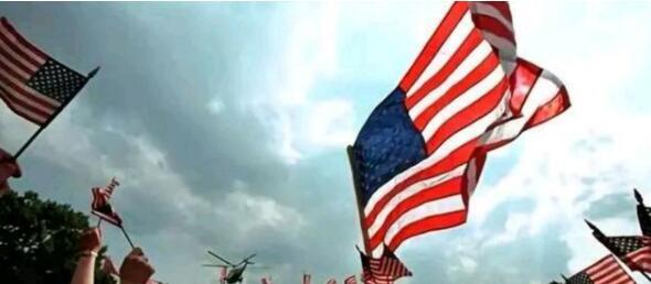 美国别样国庆节:各地被迫取消庆祝!特朗普却至死不渝的搞聚集
