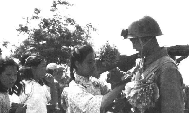 1950年,首批出国作战的志愿军,兵力和武器都怎么样?