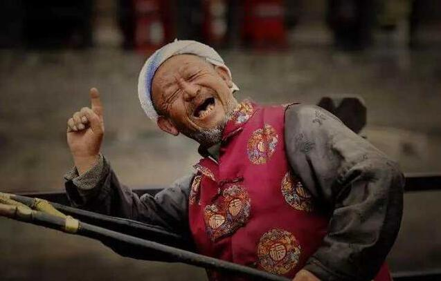 为什么老人在临终前会说一些胡话?专家:每句话都是终极奥秘