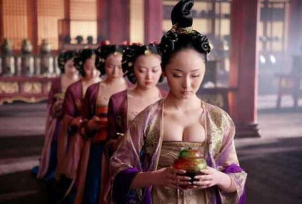 古代皇帝惩罚宫女手段残忍,竟要让古代的宫女受这种屈辱!
