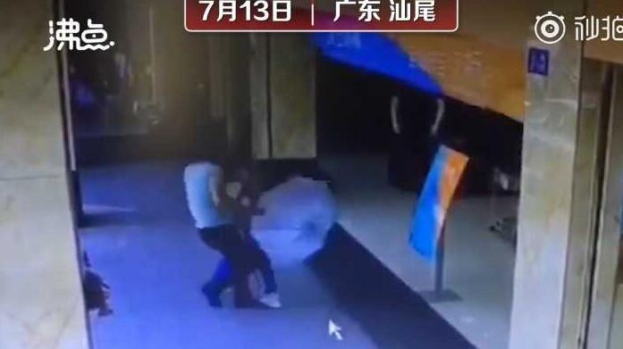 关晓彤拍新剧宣传视频,不慎泄露与鹿晗同居秘密?