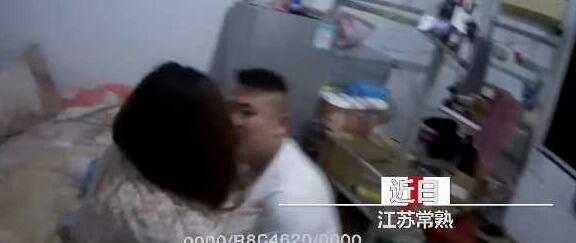 醉酒男子突然翻窗闯入女生宿舍 掐脖抓头撞墙!