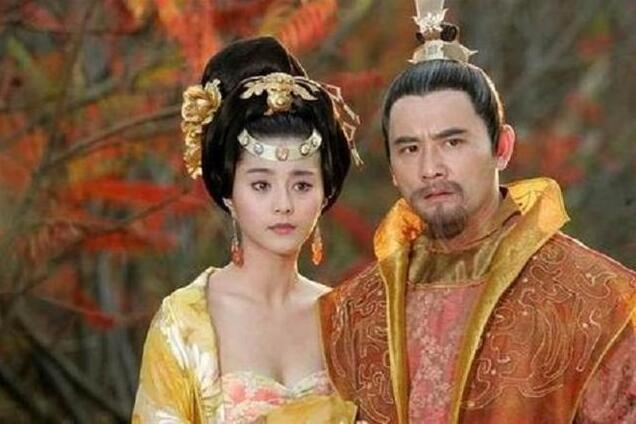 杨玉环跟随唐玄宗10年多,为何一直没有生子?她是个聪明女人