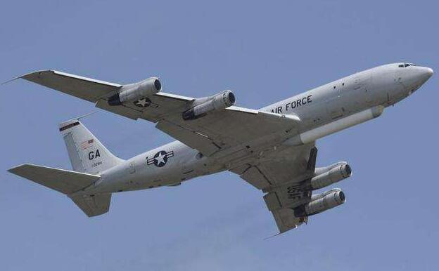 关键时刻,美军再次派两架军机来中国近海侦察!