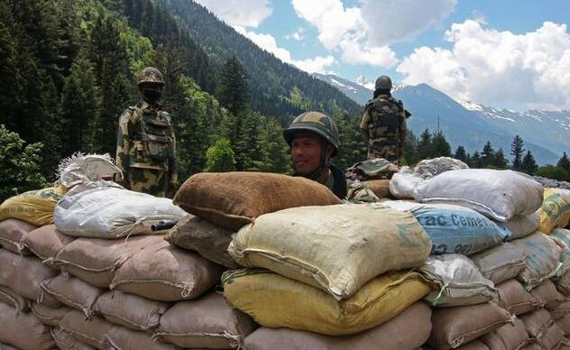为防62年惨败重演,印军在中印边境做了哪些战争准备?
