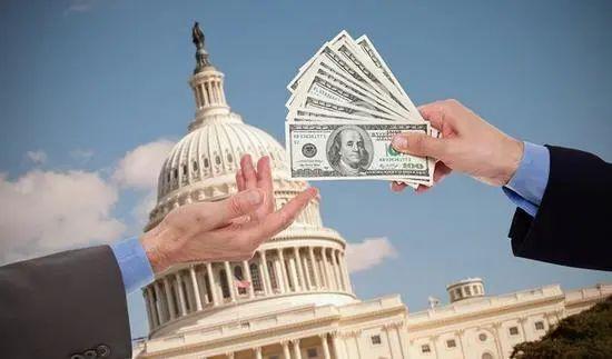美国已弹尽粮绝?中国再抛107亿美债,引出最大接盘侠