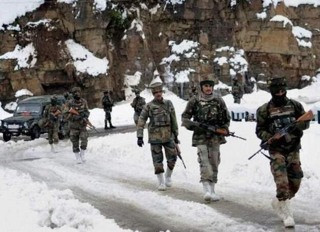 印度真想和解放军干一架?五架阵风本周到货,12辆T90奔赴一线