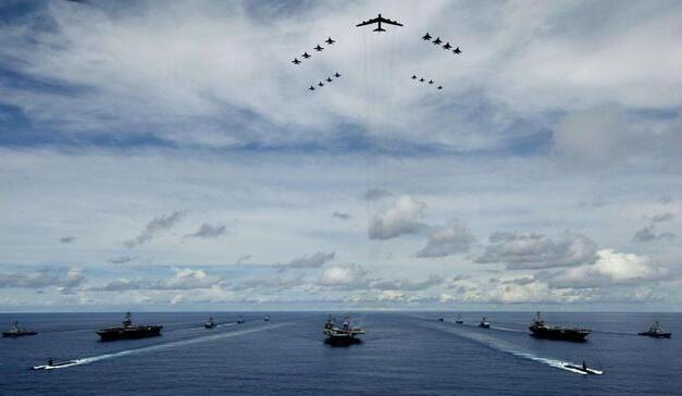 """5.5万吨级带弹射的两栖攻击舰,是对全球""""伪航母梦""""的重击"""