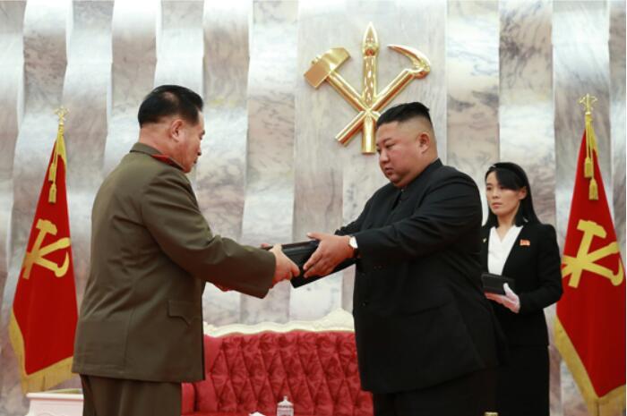 金正恩致敬中国人民志愿军 强调确保半岛不再生战