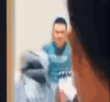 李荣浩新歌发布,被质疑江郎才尽?比周杰伦自