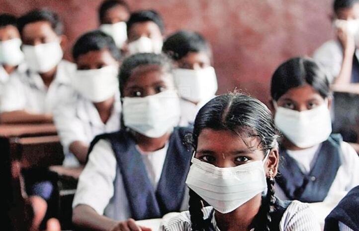 """印度3000新冠患者""""玩失踪"""" 抗疫工作一片混乱"""