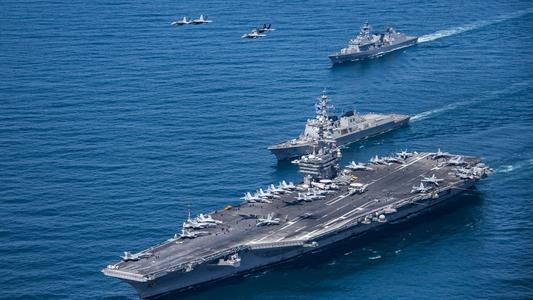 东海警报!美准航母与航母轮番上阵 张召忠:准备打仗!