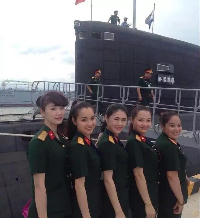为何中国潜艇部队顽固拒绝女性,原来女兵在水下易患这种可怕疾病