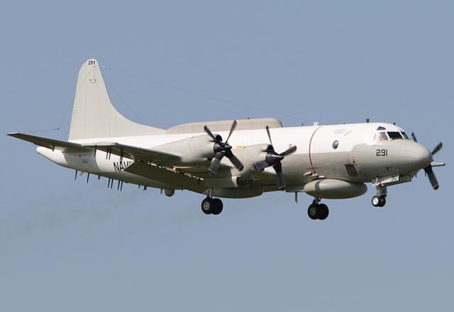 美军机半年来南海2000次,国防部主动公开一消息,不用再忍了