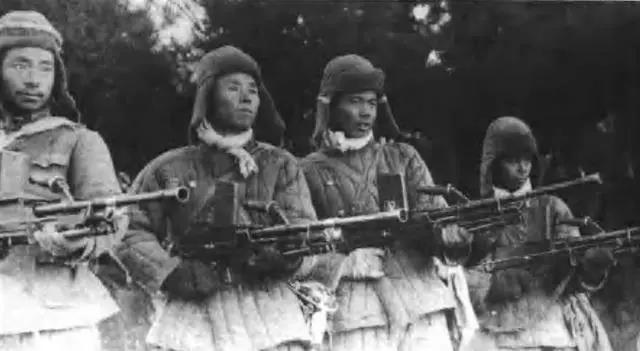 """1950年,比起美军步兵师来,""""万岁军""""38军的火力怎么样?"""
