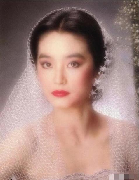俘获无数芳心的林青霞,也曾经做过男人的情妇?