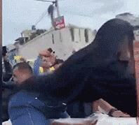 居心何在?女子骑丈夫棺材跳电臀舞!