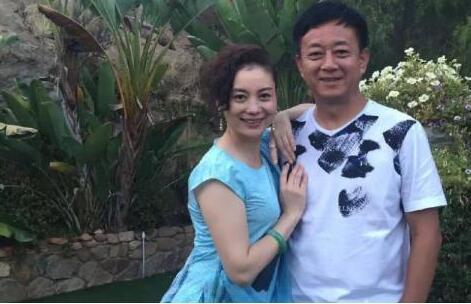 央视名嘴朱军深陷性骚扰 妻子再爆丑闻恐难翻身!