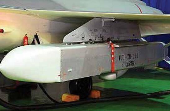 蔡英文信心满满视察台军巡航导弹 只能给解放军