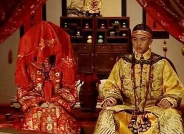 太监死前说出的最后一个秘密:皇帝大婚当晚,皇后必先吃一物