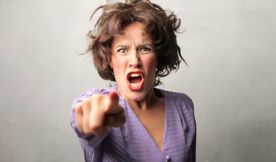 """中国女人的八大性暗示表明,表明她想此刻""""占有""""你!"""