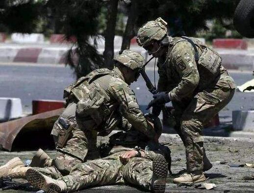 一句祝福引发血案!美军空袭 塔利班遭遇狂轰乱炸