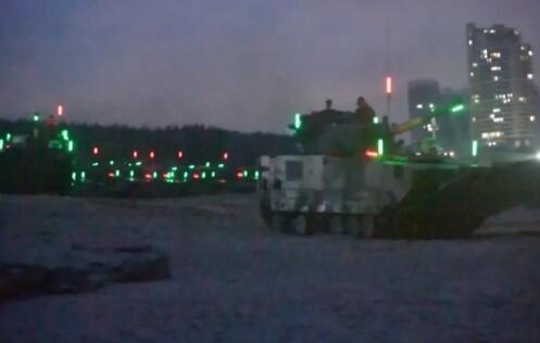 解放军军机15小时内两度巡台 登岛演练释放重磅信号!