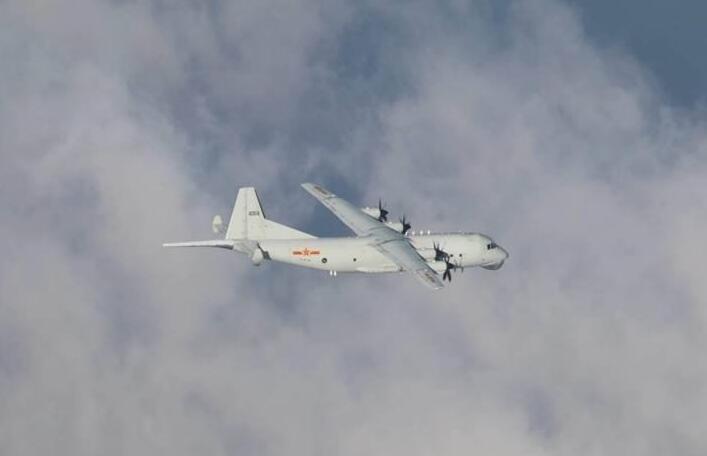 """台军:昨晚解放军一架反潜机进入台湾""""西南空域"""""""