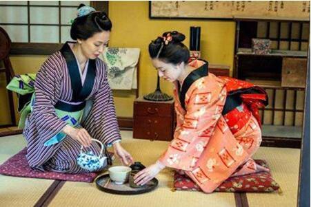 揭秘日本女人和服的设计奥妙:真实目的让人脸红不已!
