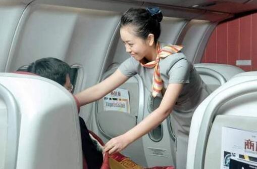 已退役空姐揭秘私人空乘行业内幕:空姐与富豪那点事儿