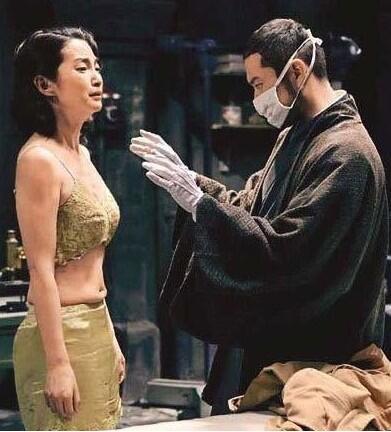 盘点谍战剧中蹂躏女战俘的变态酷刑,周迅最虐心!
