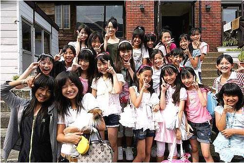 日本的女孩到底多早熟?一组照片告诉你,网友:三观尽毁