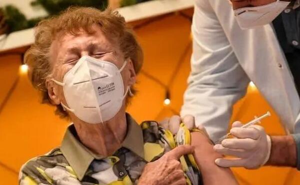 挪威多人接种辉瑞疫苗后竟死亡 日本专家呼吁该采用中国疫苗!