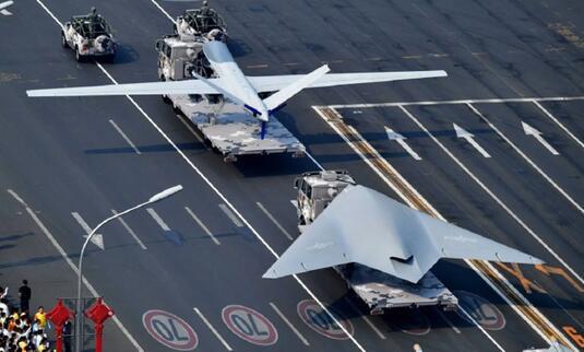 中国隐身无人机获得一次飞跃 美军同类机却现身泥潭!