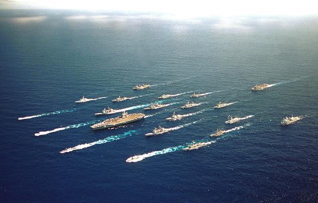 能不能擊沉美軍航母?專家:就算十艘都來也是活靶子